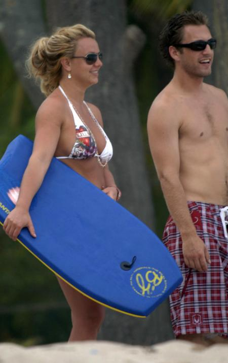 britney spears beach 5178 61jpg
