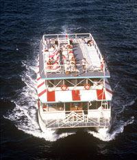 disfrutar-de-bahamas-a-bordo-del-nassau-majestic-lady-dinner-cruise.jpg